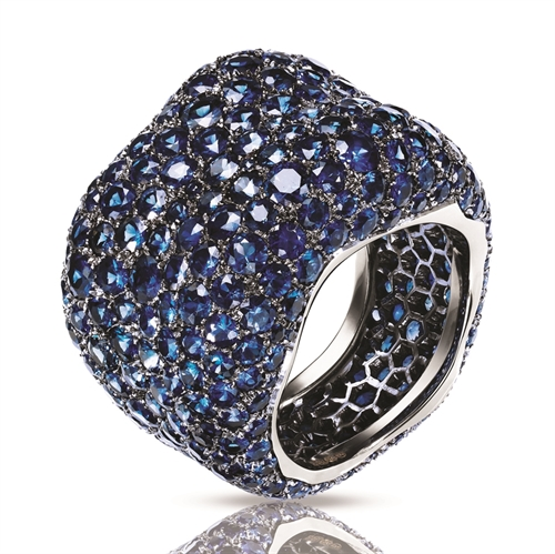 White Gold Blue Sapphire Grand Ring | Fabergé