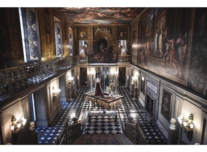 FABERGÉ & C.W.SELLORS TREAT GUESTS TO A PRIVATE TOUR OF THE 'HOUSE STYLE' EXHIBITON AT CHATSWORTH HOUSE
